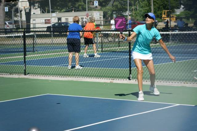 Due Donlin playing pickleball with a Z5