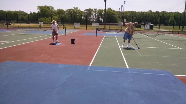 Painting pickleball court